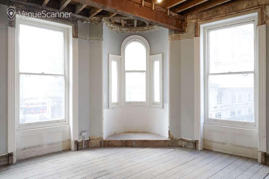 Hire Burleigh Street Townhouse First Floor 1