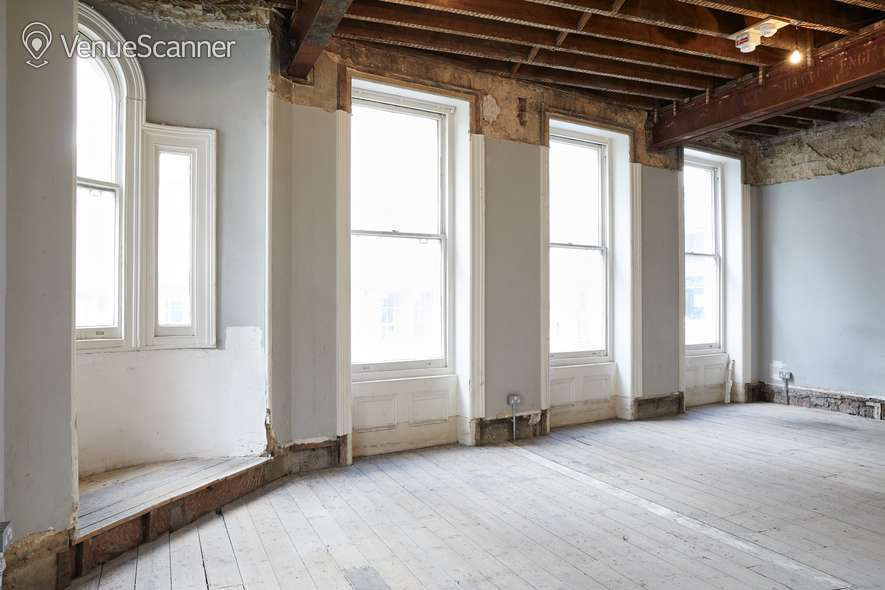 Hire Burleigh Street Townhouse First Floor 2
