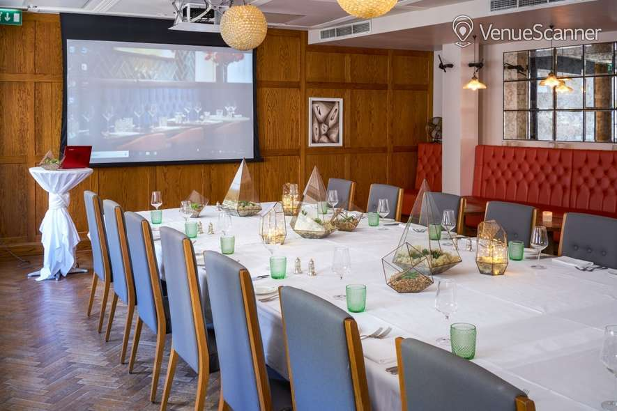 Hire Hush Mayfair The Sir Roger Moore Room 8