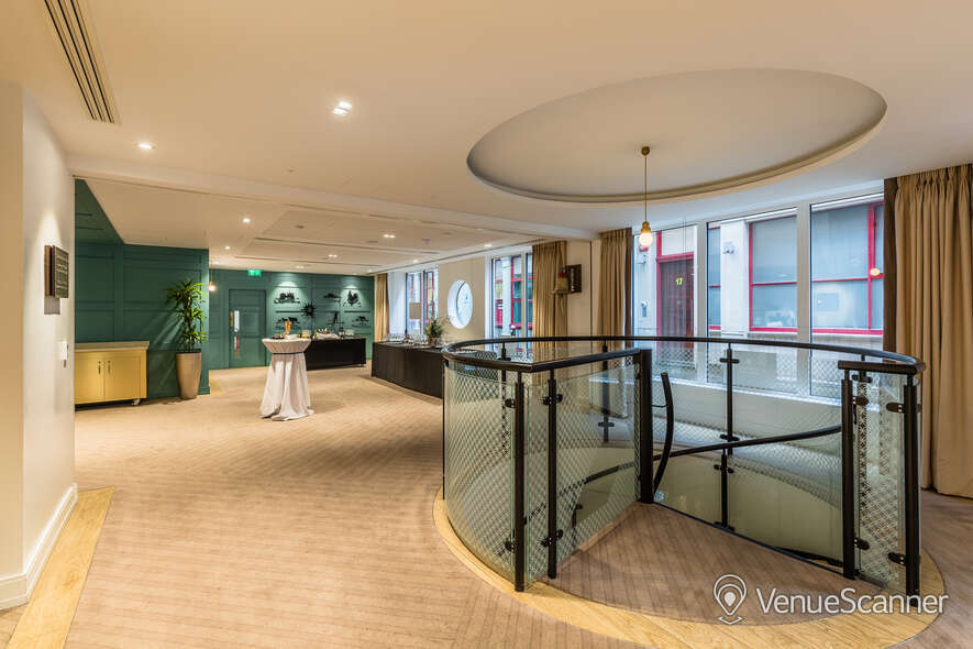Hire Farmers & Fletchers In The City Court Room And Reception Area 12