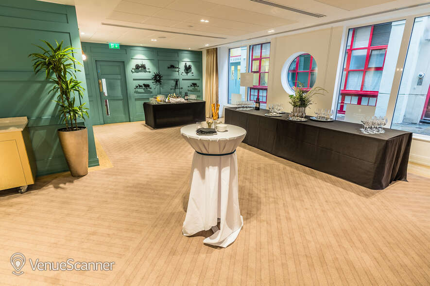Hire Farmers & Fletchers In The City Court Room And Reception Area 11