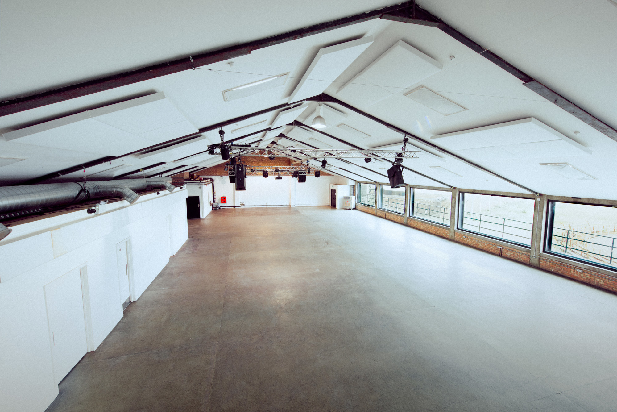 Hire Oval Space - Oval Space | VenueScanner