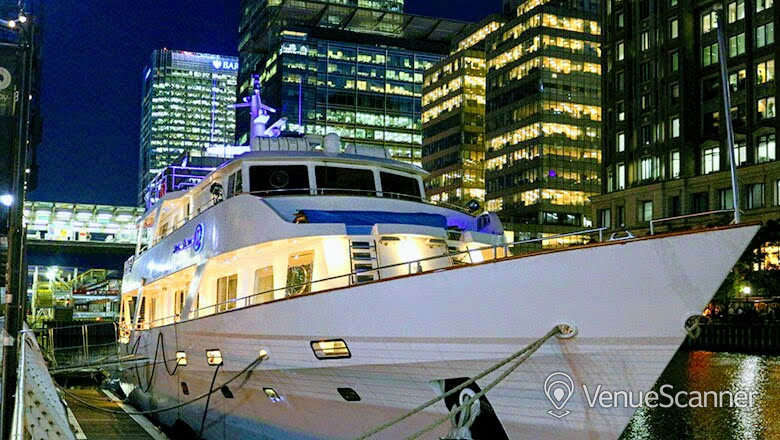 Hire Absolute Pleasure Yacht Exclusive Hire 8