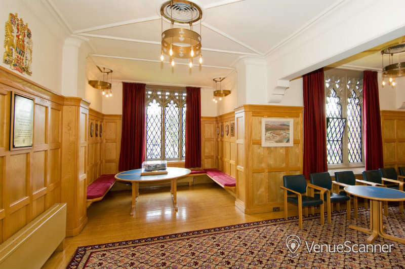 Hire Queen's University Belfast Canada And Council Chamber
