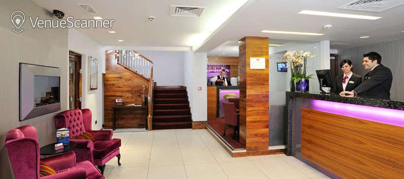 Hire Mercure London Paddington Westbourne Suite 1