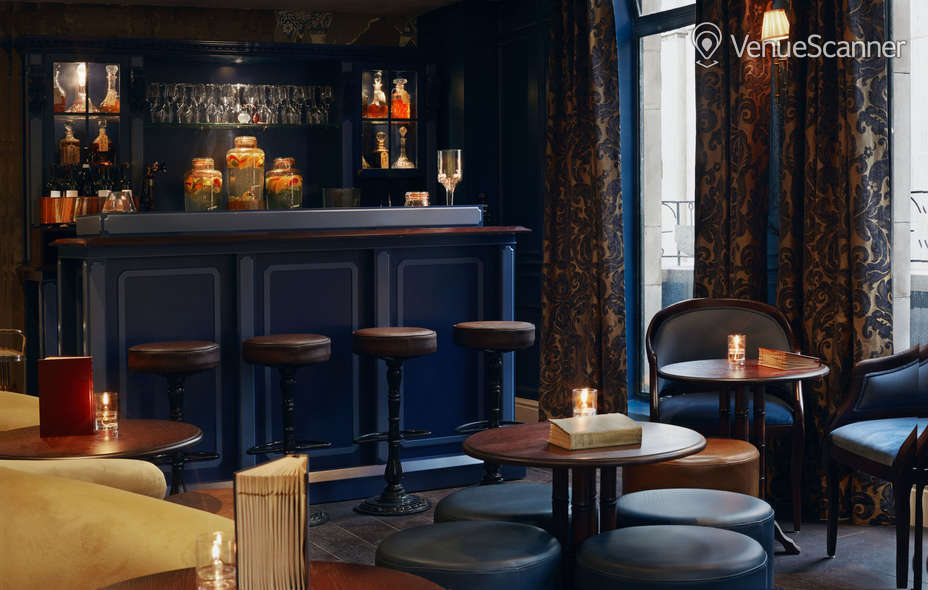 Hire Six Storeys On Soho The Lounge 1