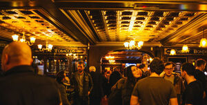 Robinsons Bar, Saloon
