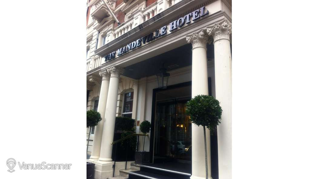 Hire The Mandeville Hotel Reform Social and Grill 6