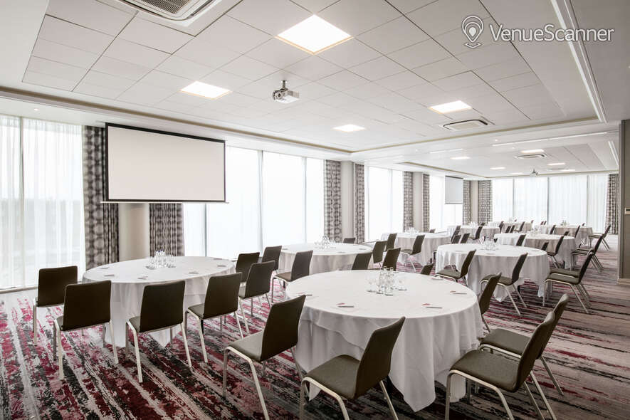 Hire Crowne Plaza London Docklands Docklands Suite 2