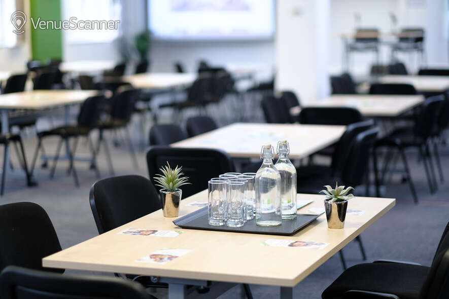 Hire Resource For London Conference Hall & Seminar 5 6