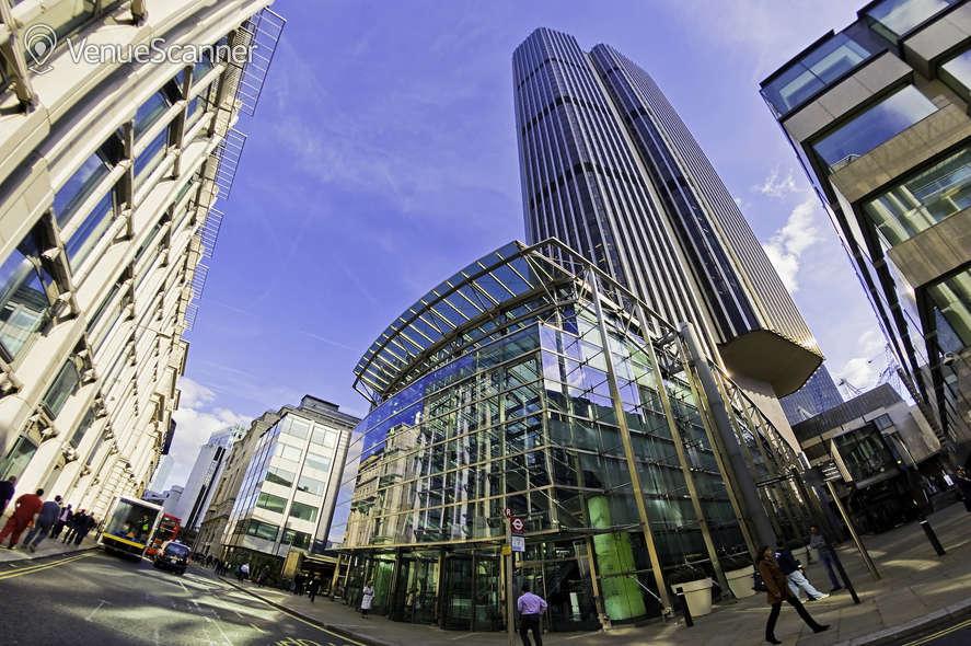Hire Regus London Tower 42 Schilling 1