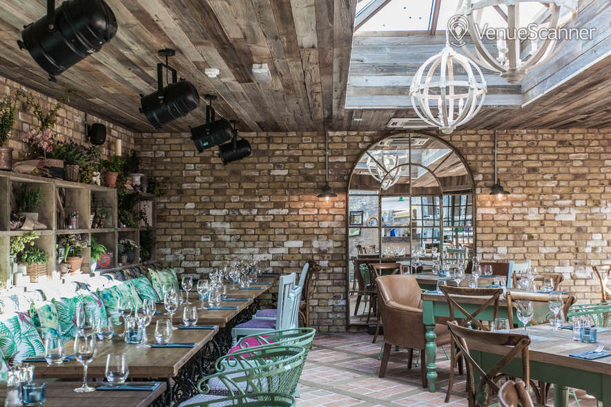 Hire Marlborough Lounge Bar 2