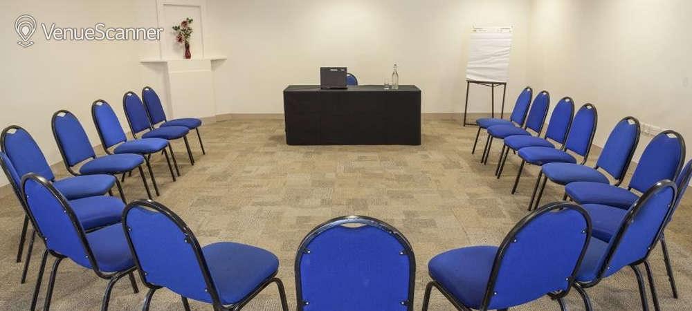 Hire Goodenough College Seminar Room 1