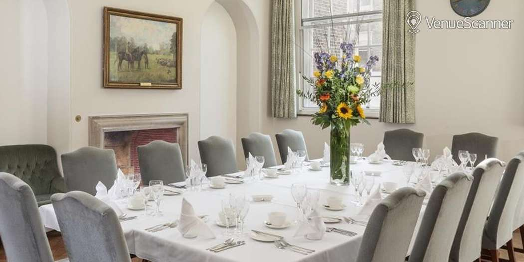 Hire Goodenough College Small Common Room London House