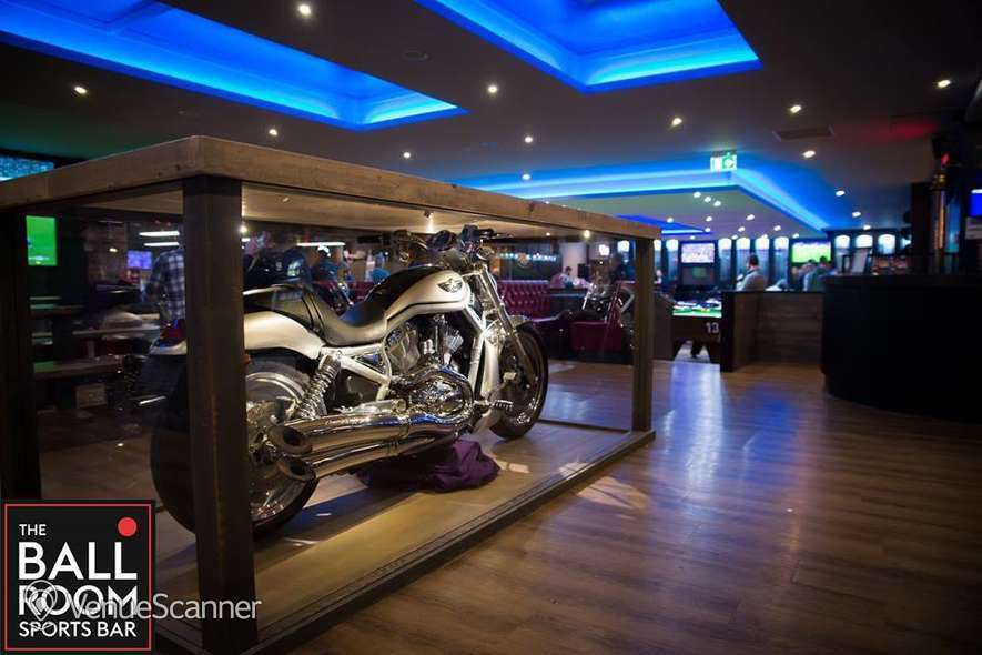 Hire The Ball Room Sports Bar & Pool Hall Meadowbank Pool Party Room 16