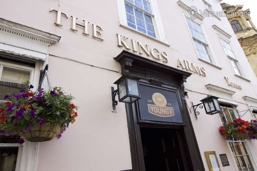 Hire Kings Arms Oxford Front Bar Area 2
