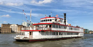 Thames Luxury Charters, Dixie Queen