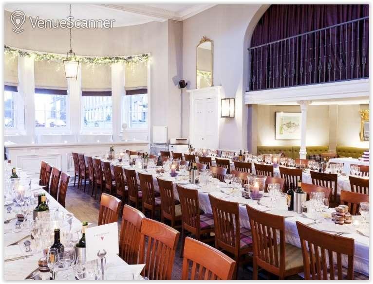 Hire Howies Edinburgh Restaurant 1