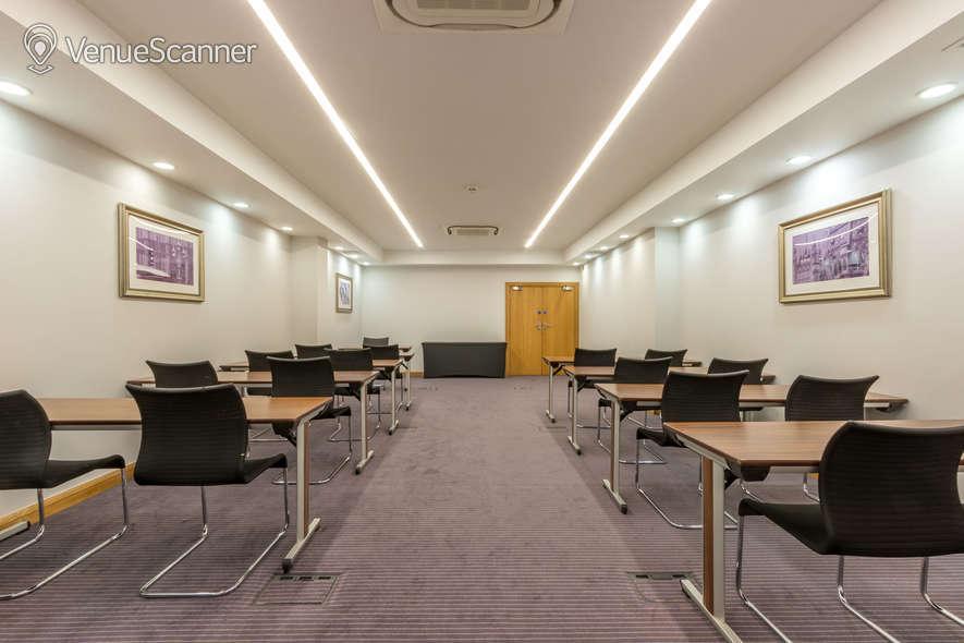 Hire Thistle Holborn, The Kingsley Hawksmoor Suite