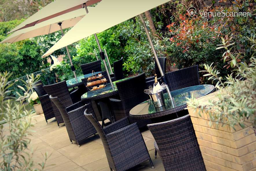 Hire Holiday Inn London - Kensington High Street Garden 1