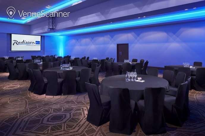Hire Radisson Blu Hotel Glasgow Megalithic 1
