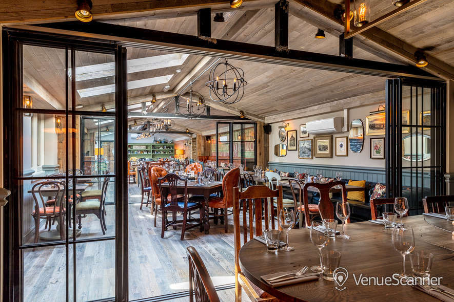 Hire County Arms The Belvedere 4