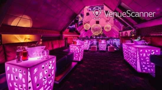 Hire Livello Opulenza Vip Lounge 1