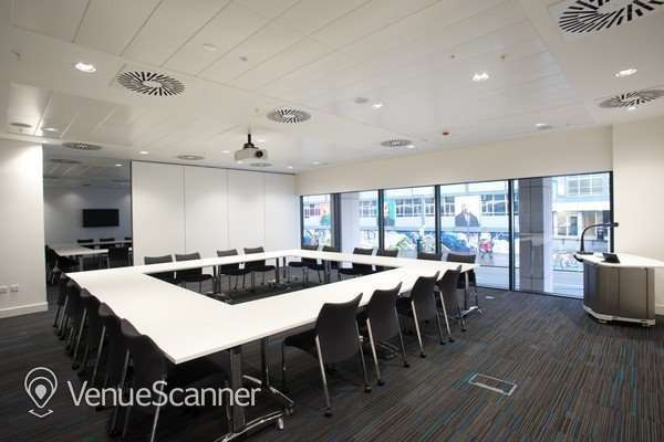 Hire University Of Strathclyde Conference Room 6