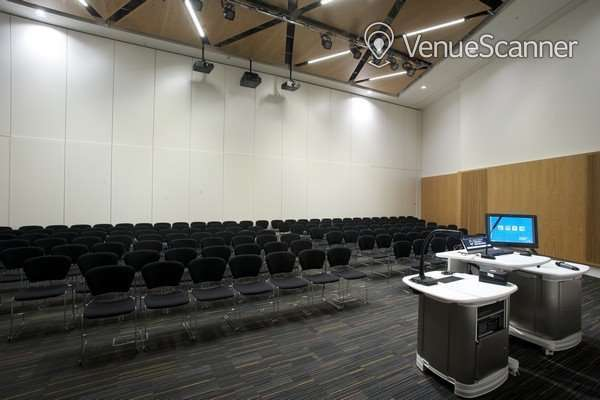 Hire University Of Strathclyde Executive Room B