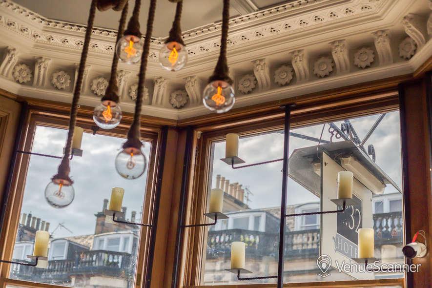 Hire No.32 Hotel And Bar Bar 6