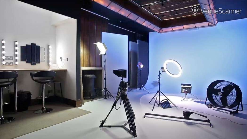 Hire Anomalous Space Photography Studio