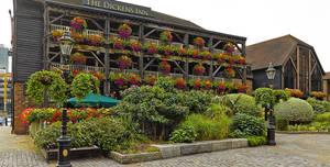 The Tavern Bar / The Dickens Inn, The Tavern Bar