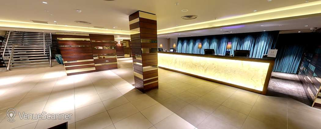 Hire  Hilton London Olympia Russell 1