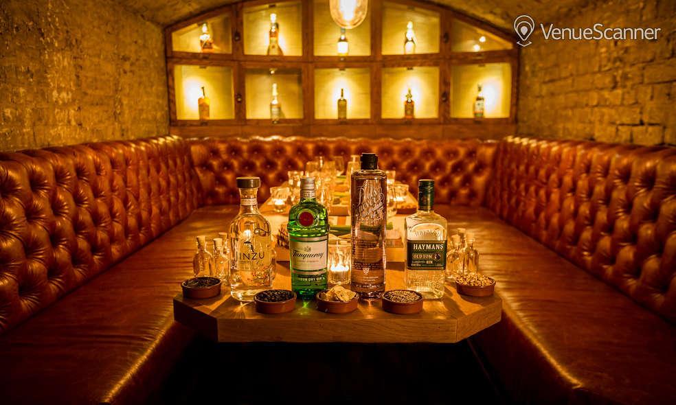 Hire Tt Liquor Cellar Bar 3