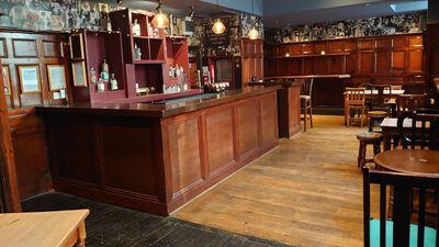 The Oliver Conquest Botanical Bar 0