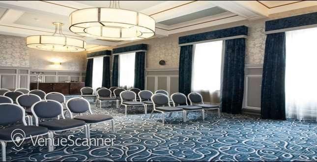 Hire Grand Central Hotel 5