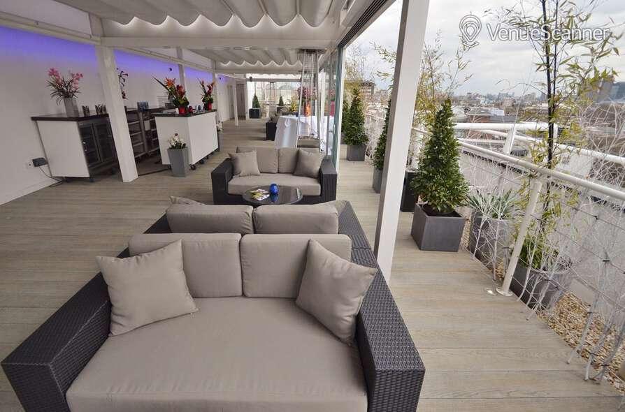 Hire Jurys Inn London Holborn Sky Bar 1