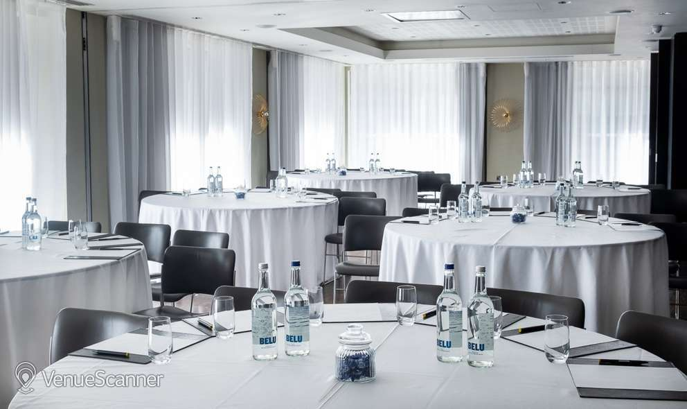Hire South Place Hotel Purdey & Steed 8