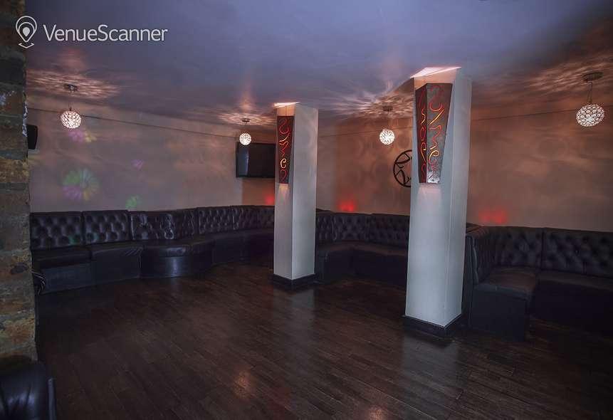 Hire Soho Zebrano Ground Floor    5