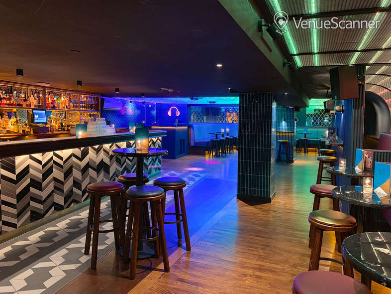 Hire Be At One - Liverpool Street Hideaway 2