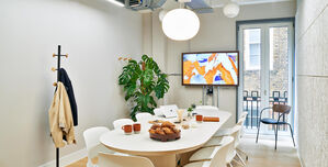 Meet In Place Soho Square, Classic Conference Room 4
