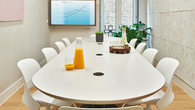Meet In Place Soho Square, Classic Conference Room 3