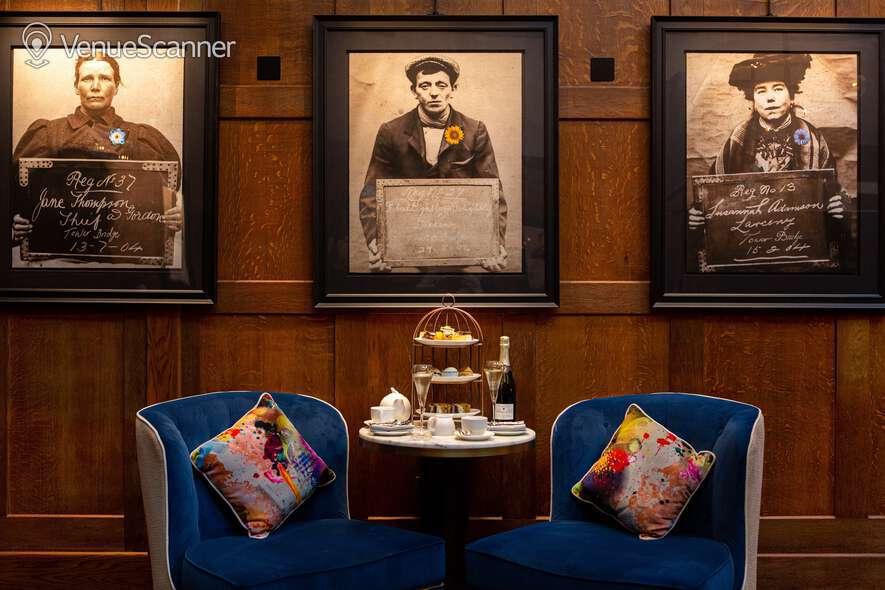 Hire The Dixon, Tower Bridge, Autograph Collection Courtroom Bar 4