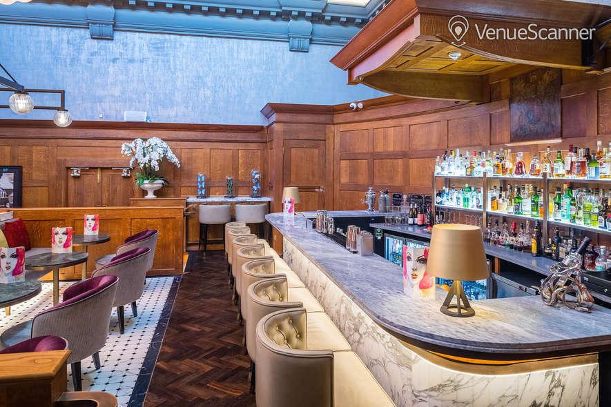 Hire The Dixon, Tower Bridge, Autograph Collection Courtroom Bar