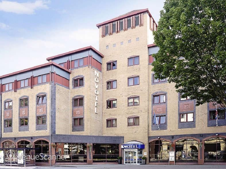 Hire Hotel Novotel Bristol Centre Victoria 2 1