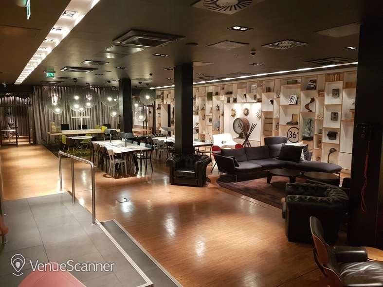 Hire Citizenm Glasgow Club Room 7