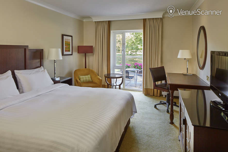 Hire Tudor Park Marriott Hotel & Country Club Charlotte Room 5