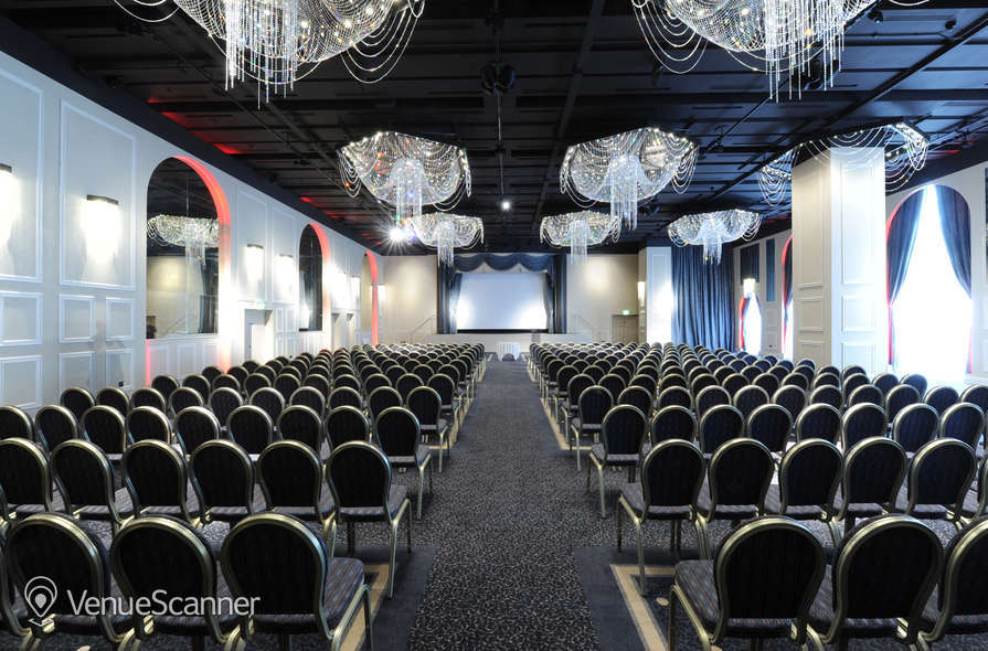 Hire Mercure Manchester Piccadilly International Suite 5