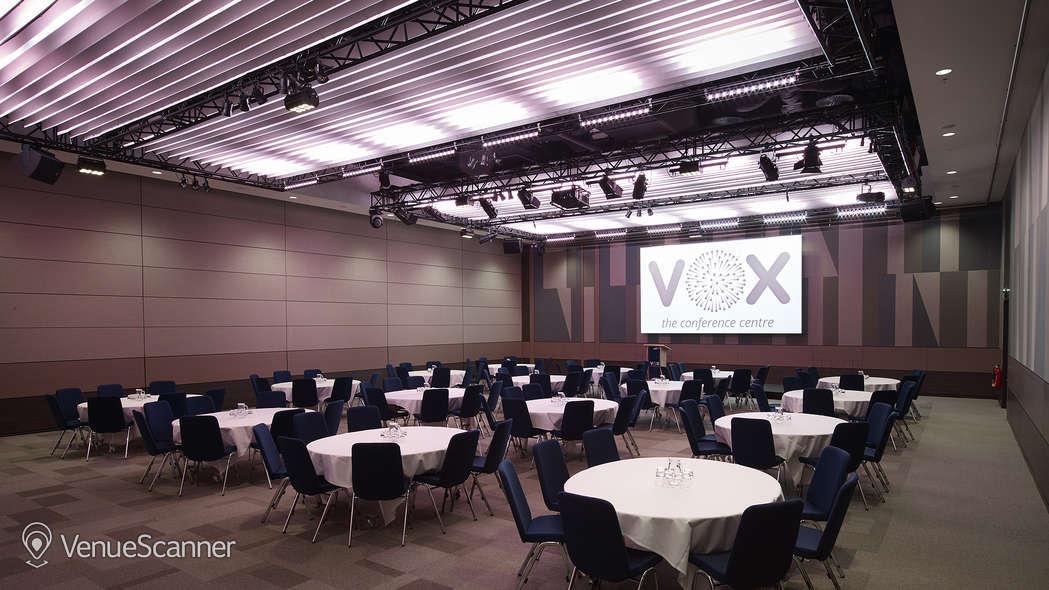 Hire Vox Conference Venue Birmingham VenueScanner - Vox conference table
