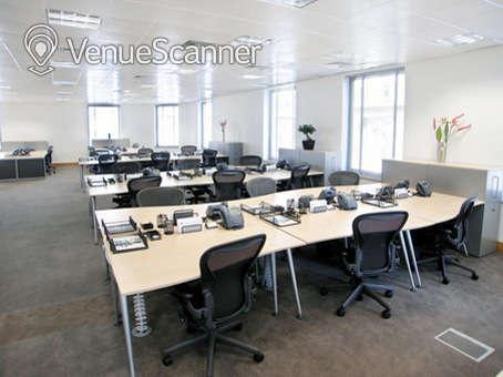 Hire Regus London Cannon Street | Walnut / Cherry | VenueScanner